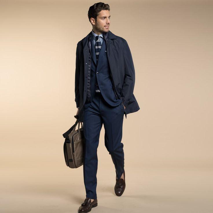 Mod: L12CM - Art: 801008/8 ABITO – TRAVELLER Abito 2 bottoni con importante rever. La scelta di un tessuto Tropical in Pura Lana, lo rende molto resistente, adatto ovunque, un perfetto alleato nel lavoro e nei viaggi.  Lebole Uomo Collezioni #abiti #giacche #Primavera #Estate2017 #fashion #italianstyle #stileitaliano #traveller