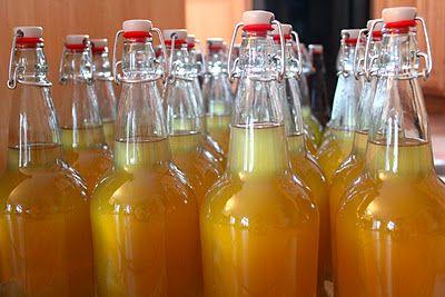 Making hard cider: part 3 -- from the Yankee Kitchen Ninja