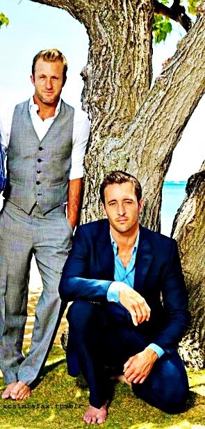 ALEX O'LOUGHLIN  SCOTT CAAN  (But.....Danny would never be barefoot - LOL)