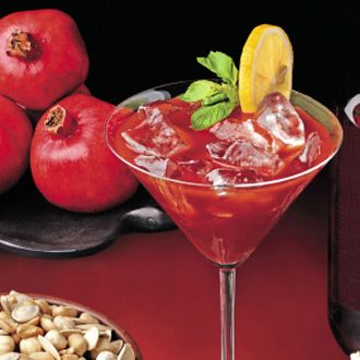 Live in Style - Pomegranate and Cranberry Bellinis