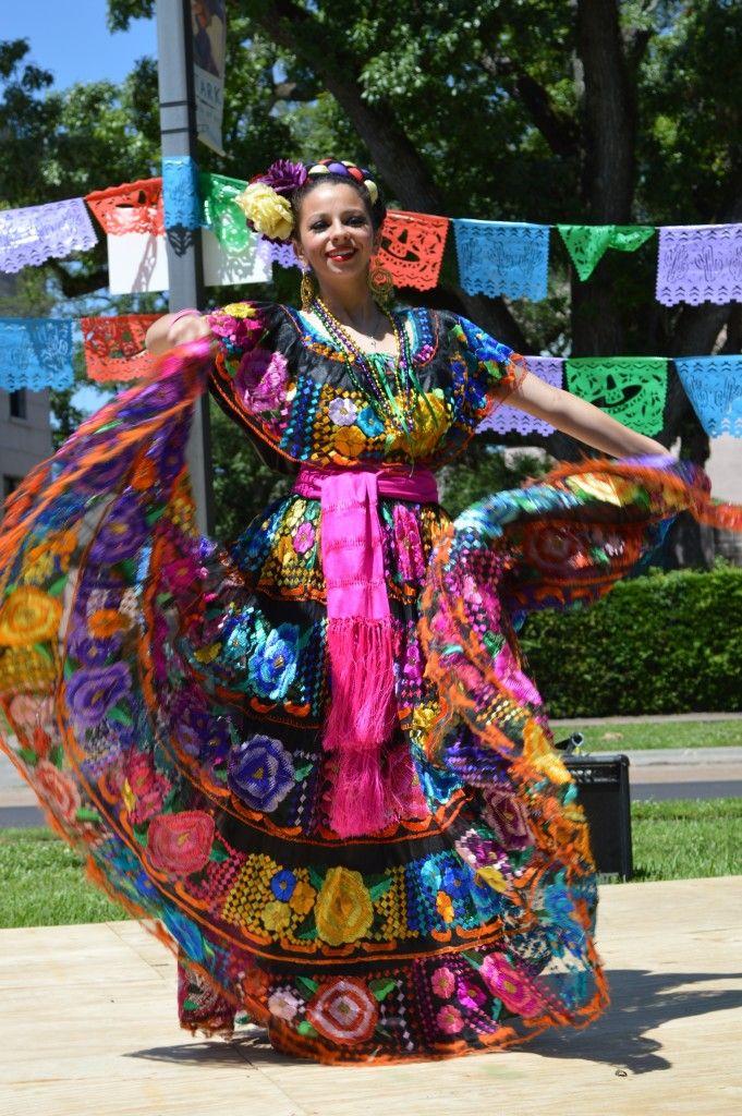 Красивые мексиканские наряды,о них вы можете прочесть в предложеной статье: свадебная мода,женская и мужская одежда  #boho #bohemian #бохо #бохошик #этнобохо