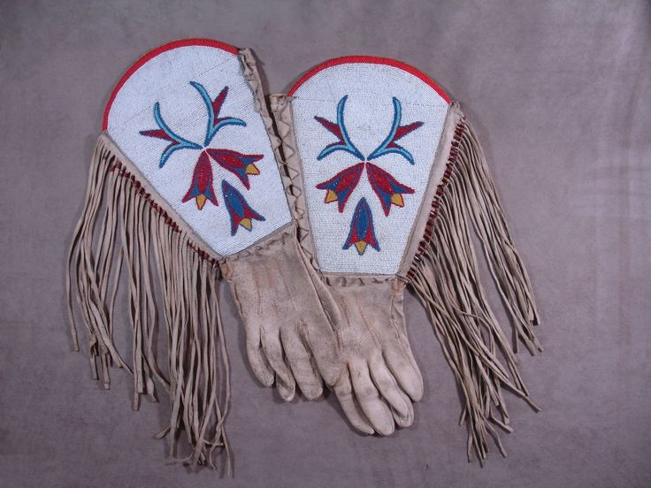 Blackfoot Beaded Gauntlet Gloves | | Cayuse Western Americana