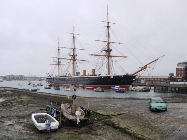 I like how it with the harbour and hms warrior