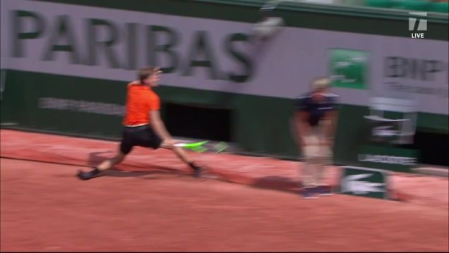 David Goffin Retires From French Open Match After Tarp Fucks Up His Ankle