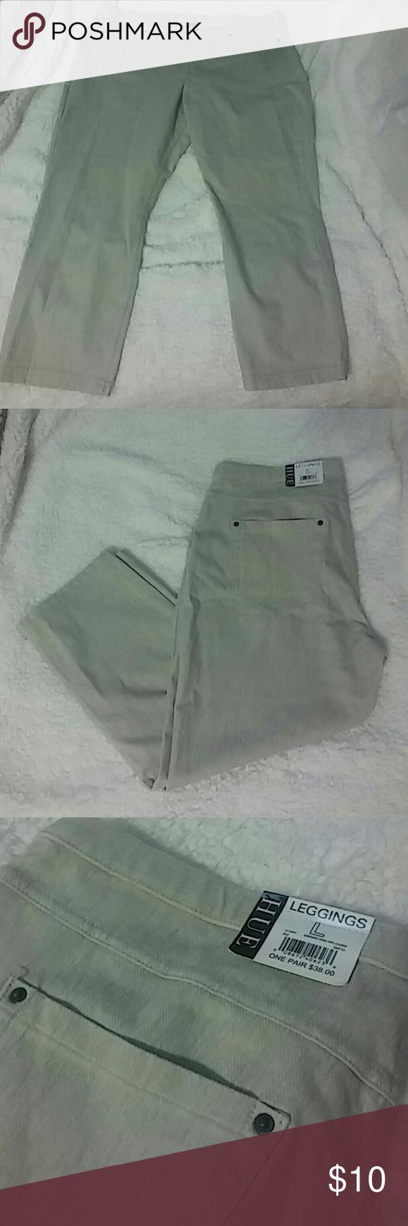 HUE khaki capris Brand new with tags, khaki Capri jeggings HUE Pants Capris