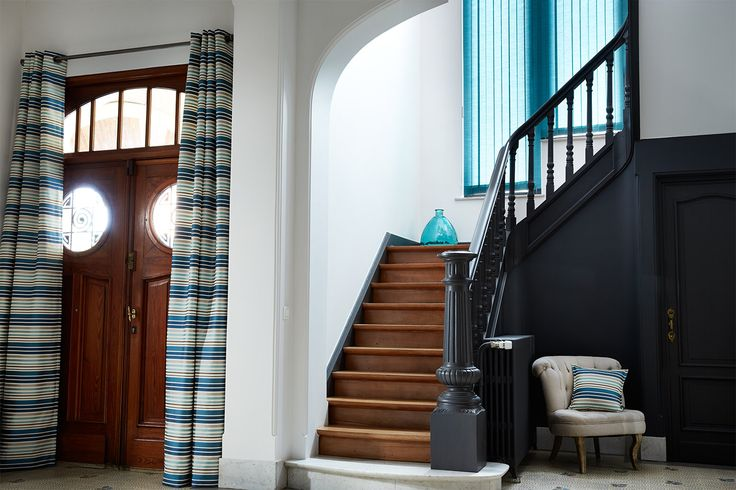 cage d 39 escalier gris antracite int rieur maison pinterest cosy. Black Bedroom Furniture Sets. Home Design Ideas