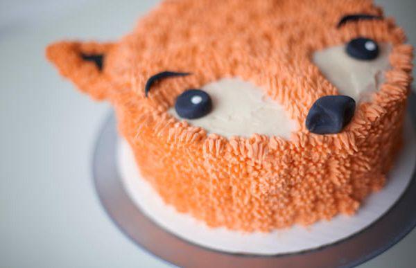 Furry Fox cake, by Lyndsay Sung