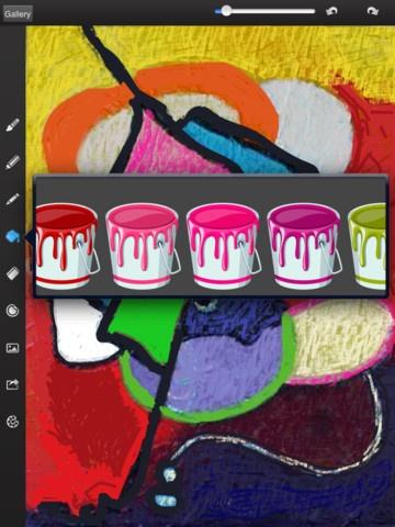 Draw free. Her vælger man under det, der ligner et billede om man vil farve et billede(Theme background) eller man vil farve eller sætte stickers på eget billede eller have baggrund som kameraet tager. De kan gemmes på facebook, twitter, flickr, fotoalbum eller send til email.
