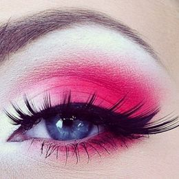Simple hot pink eye shadow idea - I liked the simplicity and the colour pink used. I think I would like to use a pink colour like in this photo and I love the lashes however I think my look would be a lot more dramatic