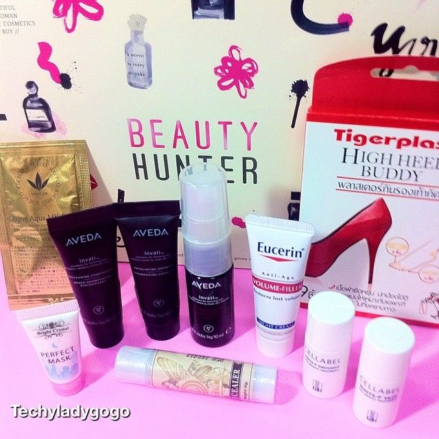 "BEAUTY HUNTER APRIL 2014 มาใน ธีม ""Reboot Your Skin"" :) #beautyhunter #beautyhunterTH #beautyhunterthailand #beautybox #beautyblogger #samples #testers #tigerplast #dazzle #deoconcealer #cellabel #LJH #eucerin #volumnfiller #vivantjoie #vivantjoiethailand #ohgon #aveda #avedathailand #skincare @beautyhunterth"