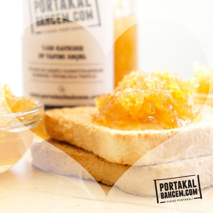 Çıtır ekmek ve mis gibi bergamut marmeladı :) ► http://www.portakalbahcem.com/kategori/recel/
