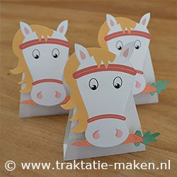 FREE printable horse treat bag topper or paper toy || #party #kids #pony