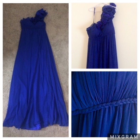 Bloomingdale's Royal Blue Maxi Prom Dress (0) Beautiful Royal Blue / Cobalt Blue full length gown from Bloomingdale's. Satin full-length lining with flowy chiffon overlay. One shoulder strap with ruffle detailing. Braided detail along the empire waist. Concealed zipper and hook closure in back. Ruched bodice. Perfect for weddings, prom, or black-tie events. Price is flexible! :) Aqua Dresses