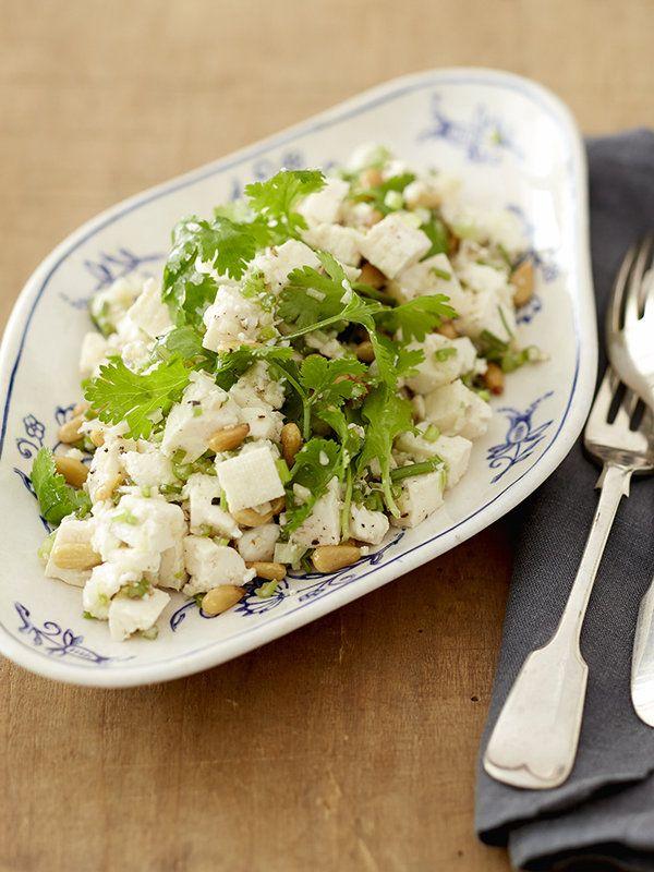 パクチーと押し豆腐の中華風サラダ