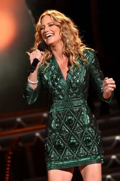 Jennifer Nettles Photos - CMA 2015 Country Christmas - Show - Zimbio