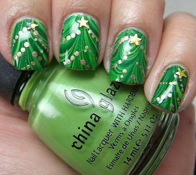 holiday-nail-tutorials  marbled christmas nails!