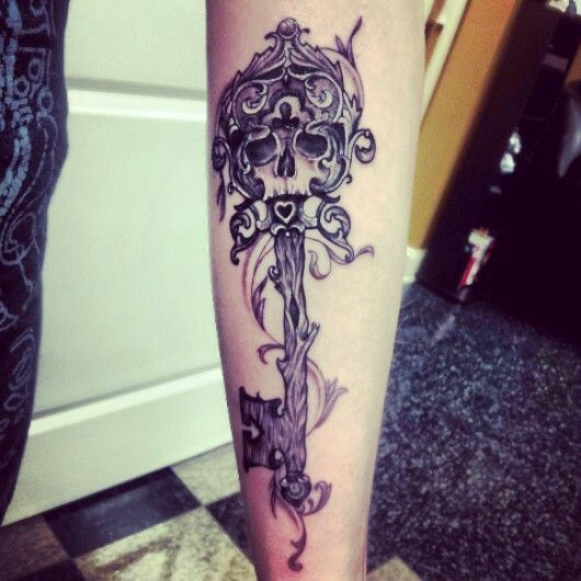 skeleton key tattoos with skull