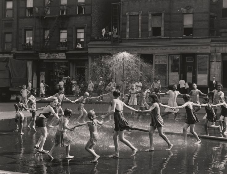 Two exhibits opening this month showcase the work of Todd Webb, who arrived in New York in 1945 with a view camera and an insatiable curiosity.