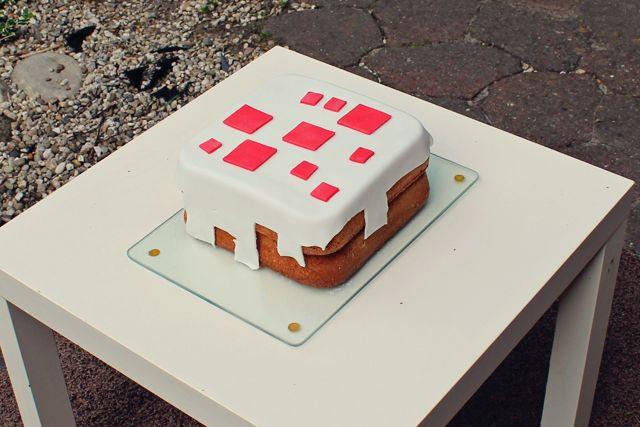 Minecraft-kinderfeestje; met leuke uitnodigingen (gratis download!), een echte Minecraft-taart en wat er in de goodie bags zat.