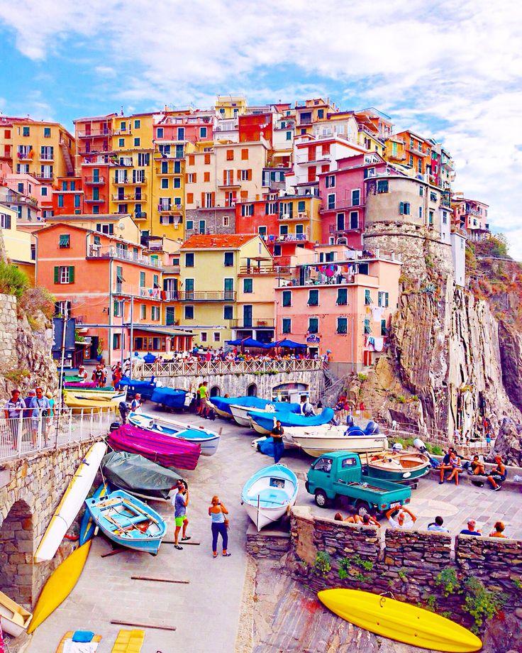 Manarola, Cinque Terre.     See more of my travel diary on: http://www.kisforkani.com/2015/11/that-manarola-feeling/