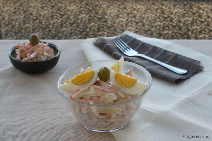 L'insalata capricciosa, una versione veloce e facile da preparare, perfetta come antipasto o per farcire tramezzini, panini, canapè