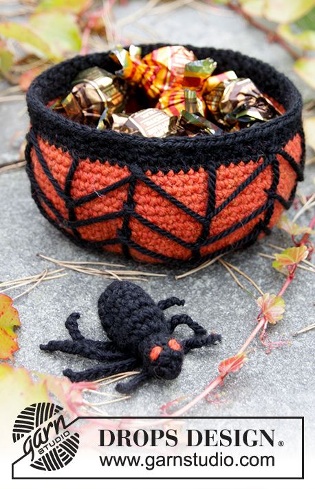 "Creepy Candy - DROPS Halloween: Crochet DROPS basket with cob web and spider in ""Nepal"". - Free pattern by DROPS Design"