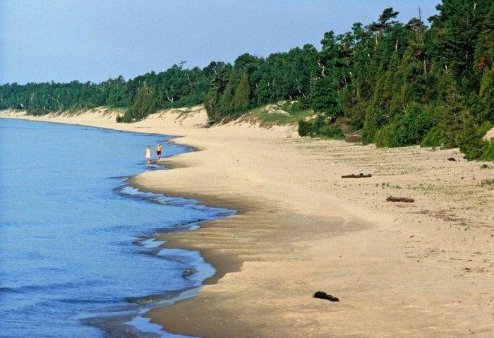 13 Amazing Beaches in Wisconsin