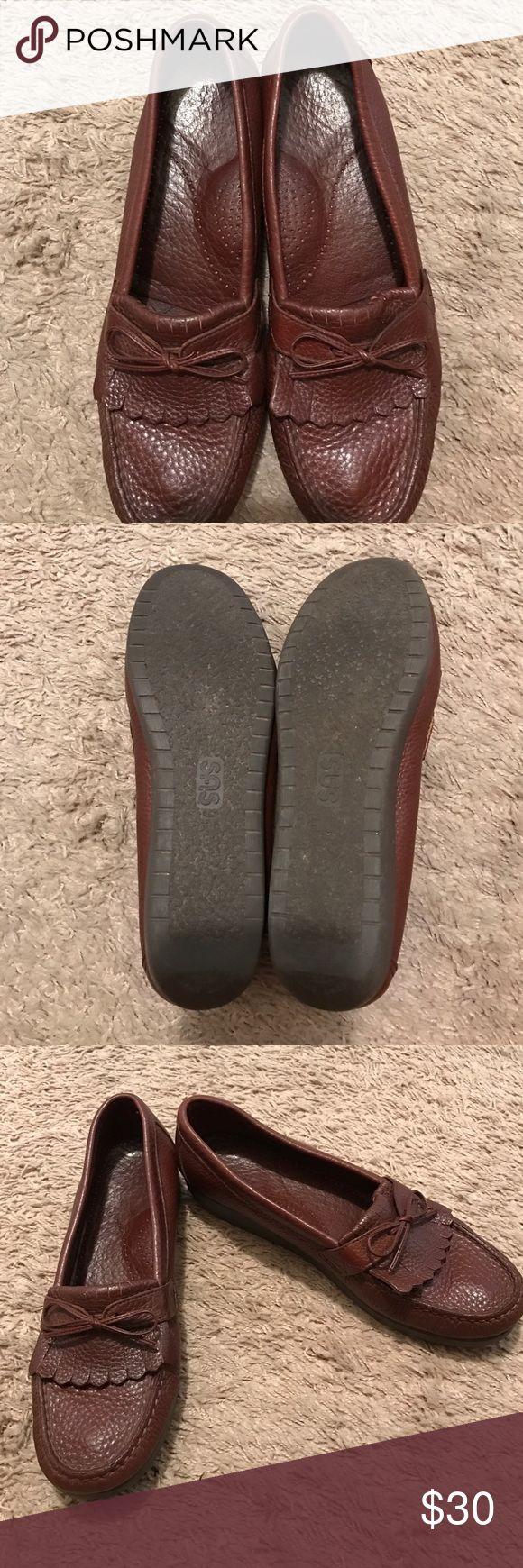 SAS SHOES SAS LADIES SHOES EUC size 10.5 Sas Shoes Flats & Loafers