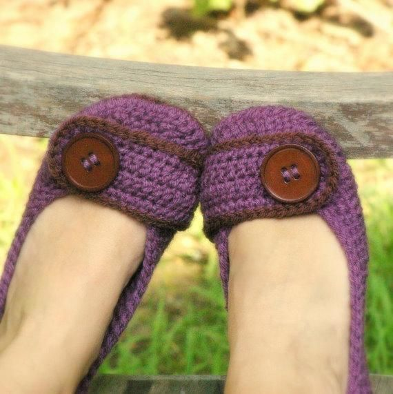 Violet Women's House Slipper from TwoGirlsPattern   Check out patterns on Craftsy!