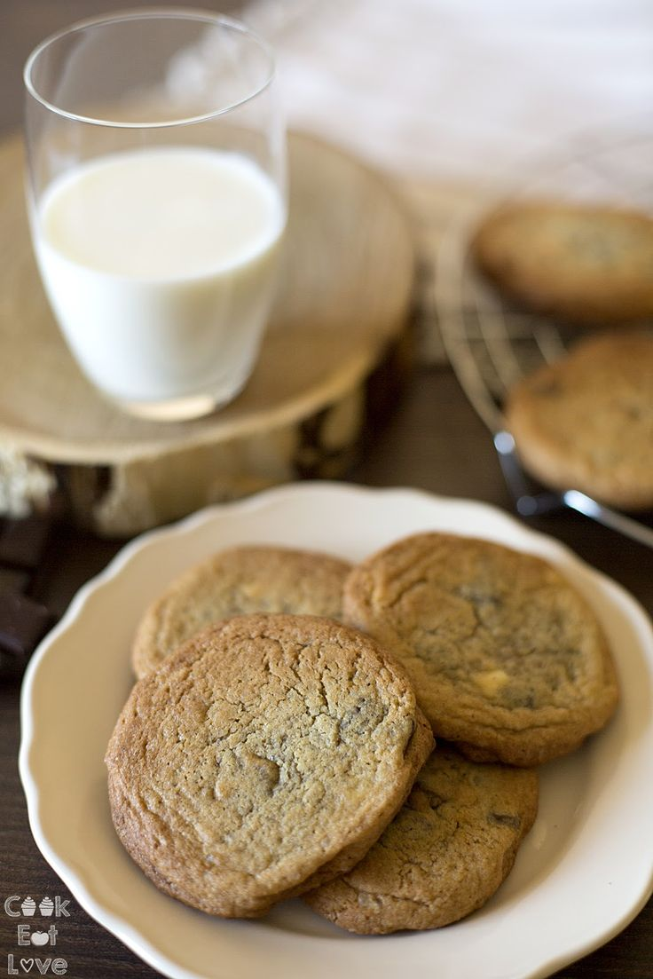 Bolachas com pepitas de chocolate - Chocolate Chip Cookies - Cook Eat Love