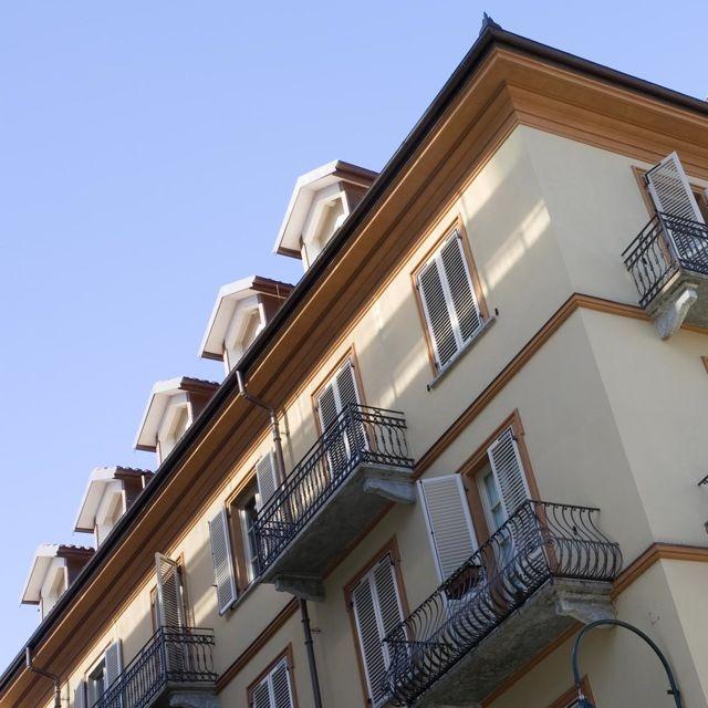 Palazzo Minerva. Particolare della facciata. Canuto Costruzioni