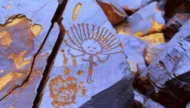 Orta Asya'nın en büyük açık hava petroglif galerisi: Saymalıtaş (Saymaluu Taş)   Saymalıtaş Kaya Resimleri Kırgızistan Fergana Sıra Dağlarında deniz seviyesinden 3000-3500 metre yüksekliktedir. 100.000 üzerinde resim olduğu düşünülmektedir. Resimlerin en eskisinin M.Ö.3000 yıllıkta yapıldıkları tespit edilmiştir.    Saymaluu Taş alanı, Orta Asya'nın en büyük açık hava petroglif galerisidir. Orta Asya'daki eski avcı, çoban ve ilk çiftçi toplumlarının günlük hayatı, dünya görüşleri, tari