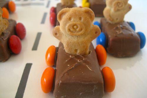 TIny Teddy Cars by speckledfreckle: So cute! #Snacks #Teddy _Car