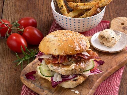 Burger ist typisch Amerikanisch? Unser italienischer Hähnchenburger mit Bacon und Gurke tritt den Gegenbeweis an!