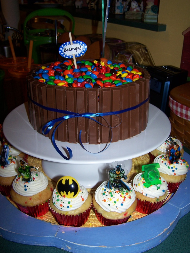 Nerd Cake: Big Bang Theory and super heroes