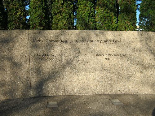 Graves Of President Gerald R Ford And First Lady Betty