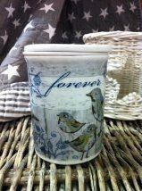 Vakker og anerledes porselenskopp. Tesil og lokk inkl.  Motiv blå-grå. ca7x10cm