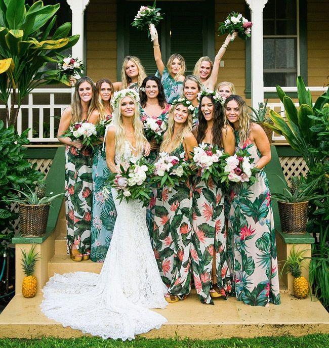 Boda tropical :http://www.photocallblog.com/boda-tropical/
