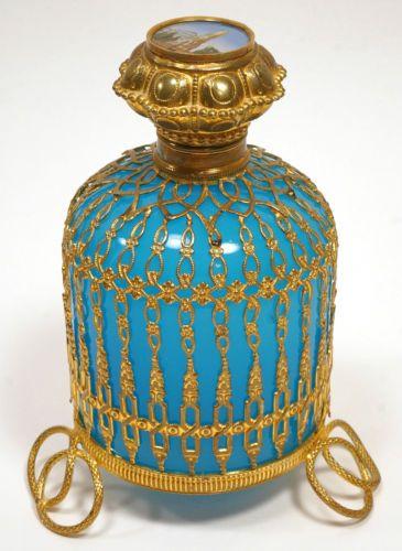 Antiguo Francés De Gran Palais Royal Opalino Vidrio Botella De Perfume Con…