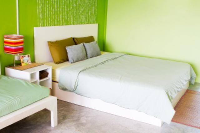 Modern Bedroom Design Ideas: Use Color and Simple Decorative Elements