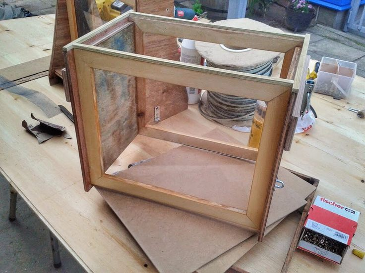 "Making a observation box/hive out off  ""scrapwood"""