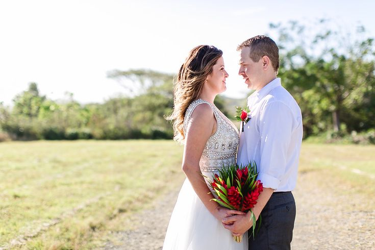 Lyndsay and  Kyle – Outrigger Fiji Beach Resort / Leezett Photography