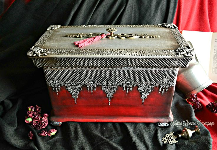 victorian vintage jewelry box by Adisa Lisovac Decoupage