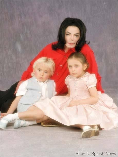 michael jackson covers his kids face | Michael Jackson Images on Fanpop