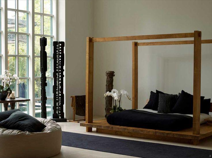 Urban Zen - Platform Bed with Four Posts and Adjustable Headboard