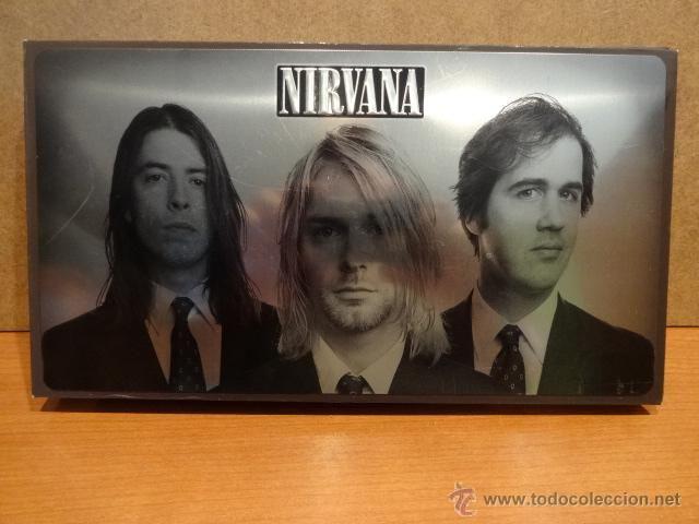 NIRVANA - WITH THE LIGHTS OUT - 3 CDS   1 DVD BOX SET - 2004. MUY BUEN ESTADO. DISCOS DE LUJO.