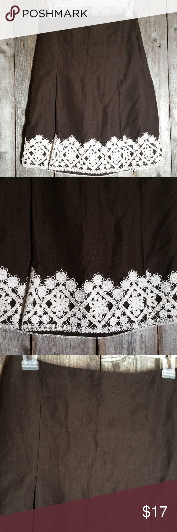 Ann Taylor Loft Petite Brown Crochet Lace Skirt Ann Taylor Loft Petite Size 0P Womens Brown Crochet Lace Hem Skirt Linen Blend Gently used Linen & rayon Lined Side zipper closure Approx waist 26 & length 21 Knee length Dry clean (T14) LOFT Skirts
