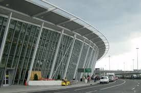 JFK Airport Limo Service - We provide limousine service to & from JFK for airport transportation. Free your tension with our service around the corner.