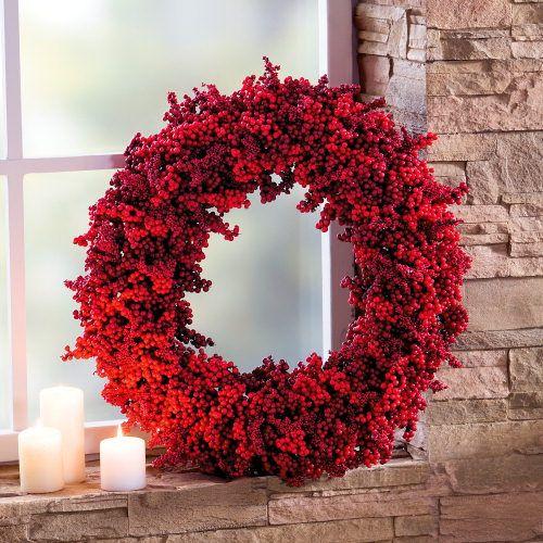 festlich rote weihnachtsdeko ideen beerenkranz - Weihnachtsdeko Ideen