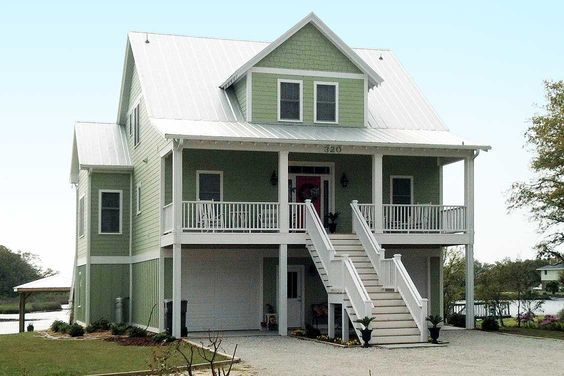 25 best ideas about beach house plans on pinterest for Coastal house plans narrow lots